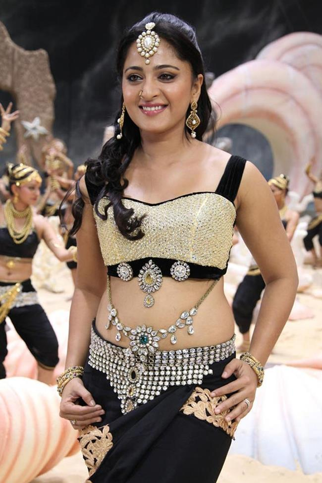 Anushka Shetty Hot Gorgeous Photo Still From Movie Mirchi