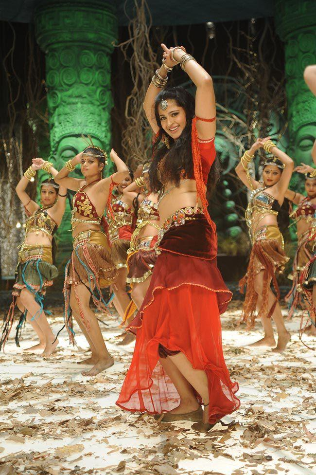 Anushka Shetty Sizzling Dance Photo Still From Movie Mirchi