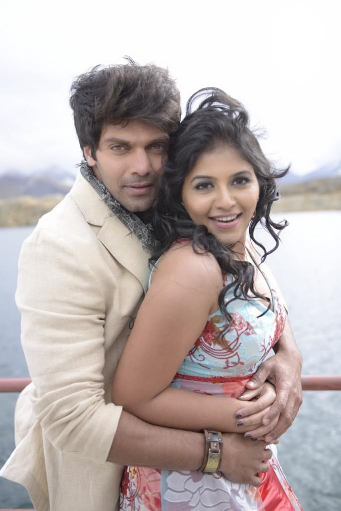 Arya And Anjali Sexy Hug Photo Still From Movie Settai