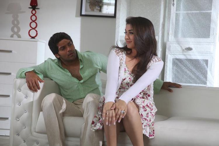 Arya And Hansika Latest Photo Still From Movie Settai
