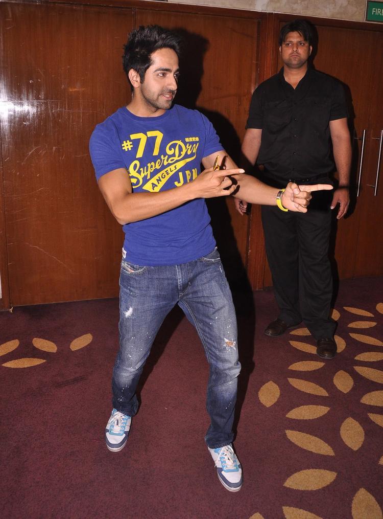 Ayushmann Khurrana Dance Photo Clicked At Nautanki Saala Movie Promotion