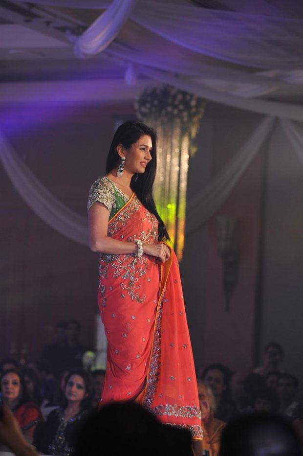 Deepti Bhatnagar In Saree On Ramp At Neeta Lulla Shehnai Collection Fashion Show Event 2013