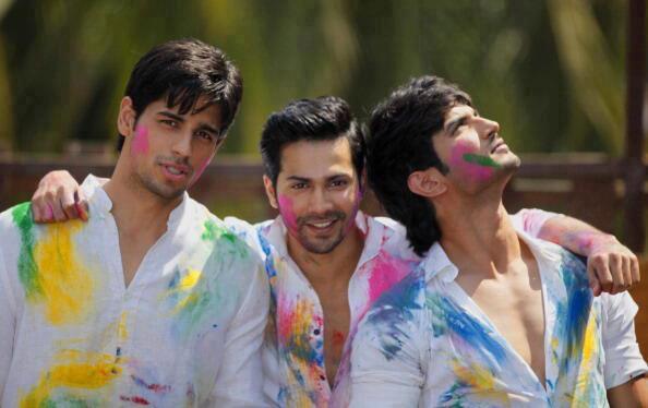 Sidharth,Varun And Sushant Nice Pose During The Holi Celebration