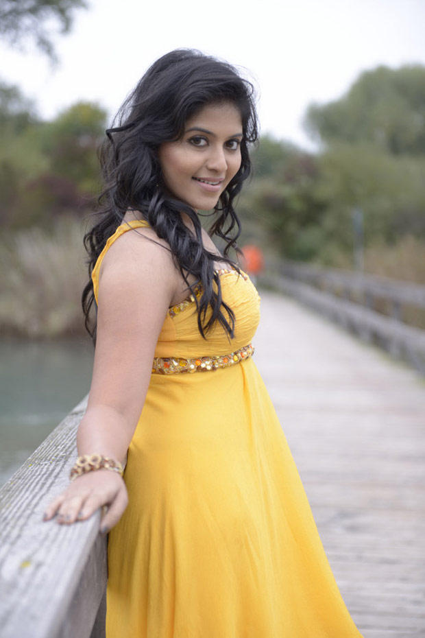 Anjali Sizzling Look Photo Still From Movie Naughty Boys