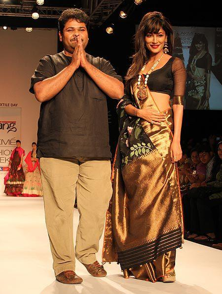 Chitrangada Walks With Designer Gaurang On Ramp At Lakme Fashion Week Summer Resort 2013
