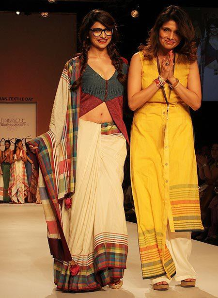 Prachi Walks On Ramp With Designer Shruti At Lakme Fashion Week Summer Resort 2013