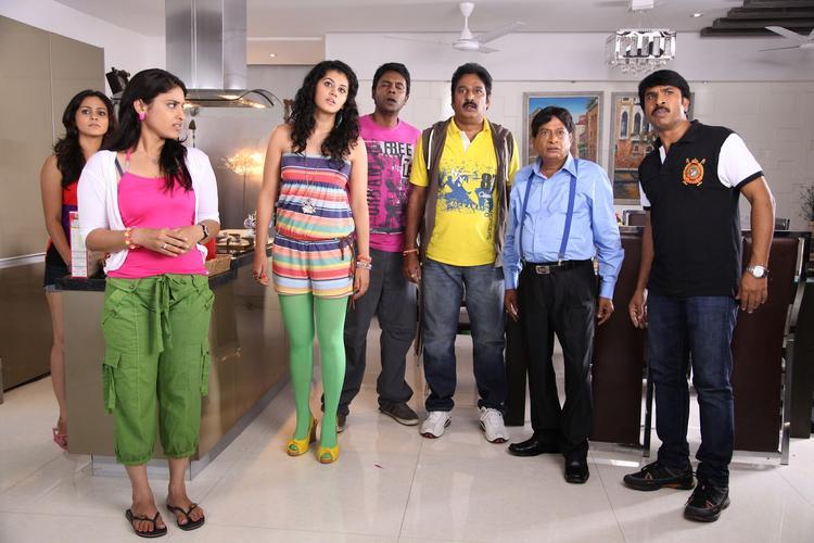 Taapsee,Krishna,M.S.Narayana,Srinivasa And Satyam Cute Expression Photo Still From Movie Shadow
