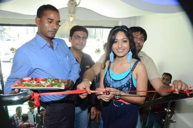 Madhavi Latha Inaugurates Supreme Music Store At Banjara Hills