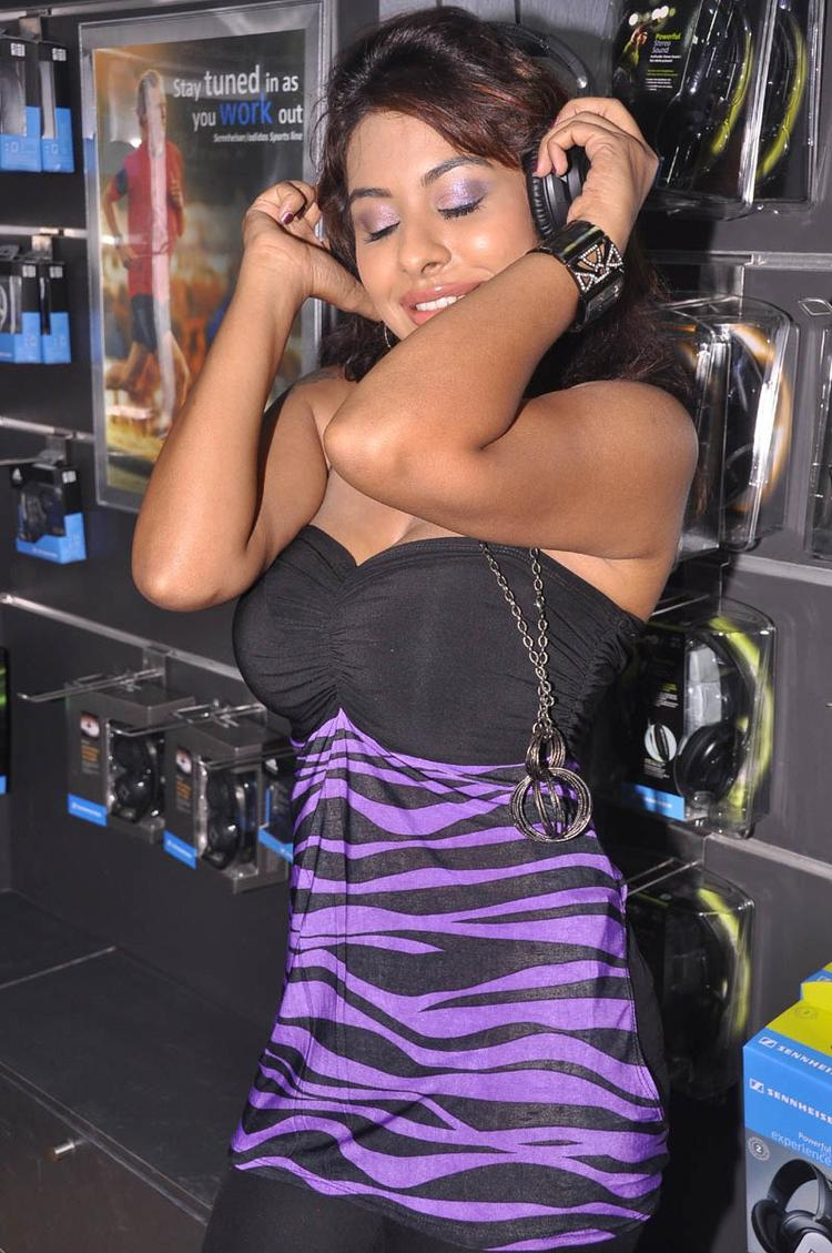 Srilekha Dancing Pose Photo Clicked At Supreme Music Store Launch