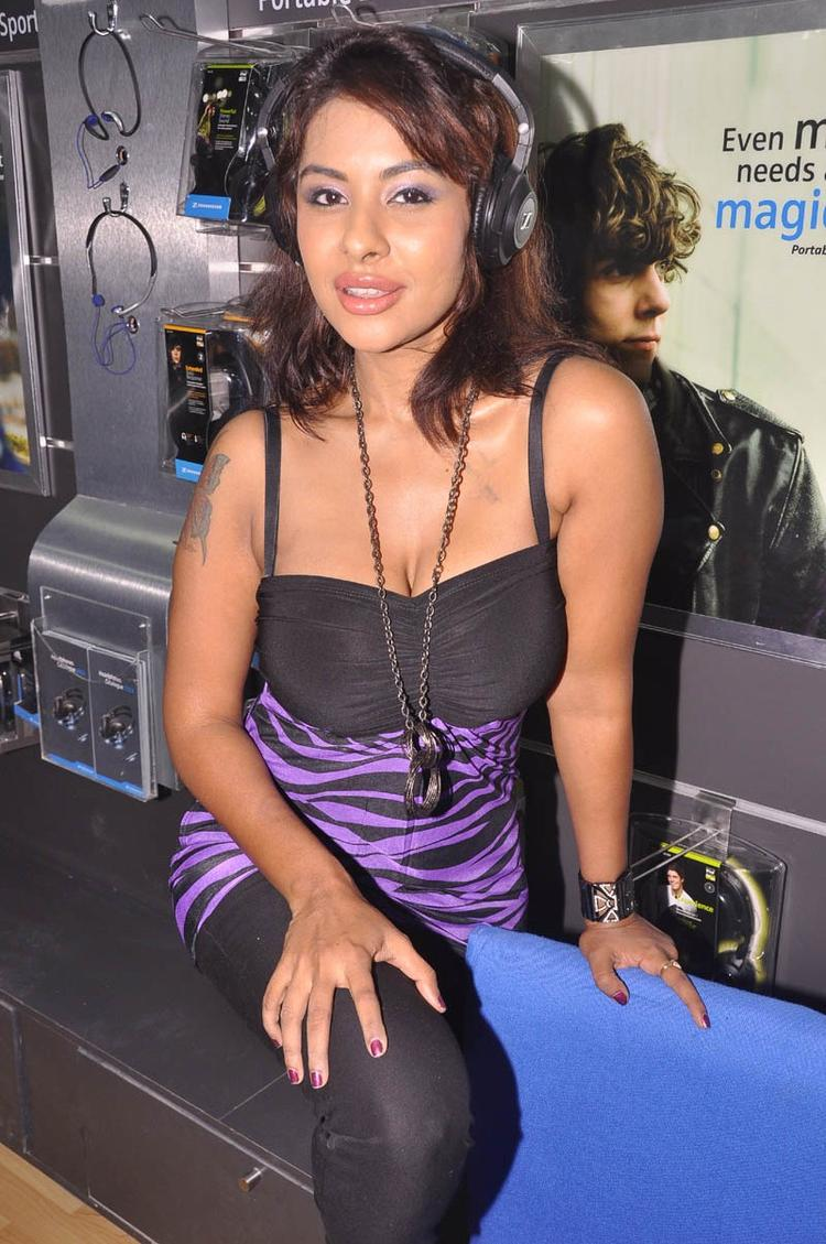Srilekha Spicy Look Photo Clicked At Supreme Music Store Launch