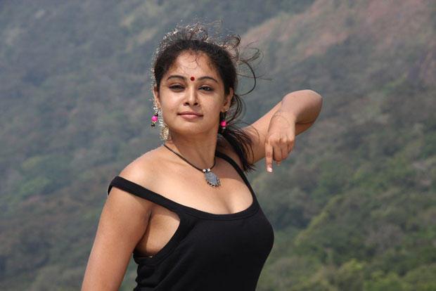 Arundhati Sexy Look Still From Netru Indru Movie