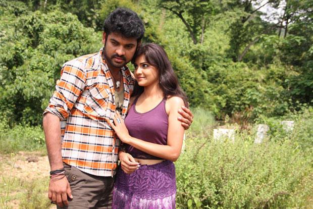 Vimal And Nandagi Nice Still From Netru Indru Movie