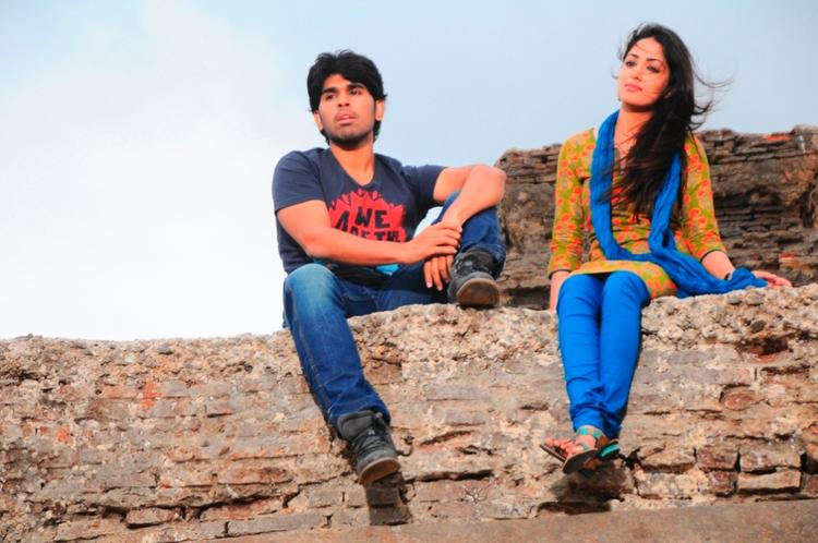 Allu Sirish And Yami Awesome Photo Still From Movie Gouravam
