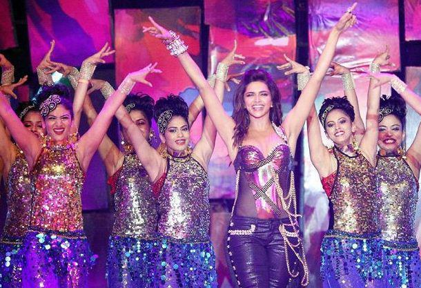 Deepika Padukone Performed On Stage At IPL 6 Opening Ceremony 2013