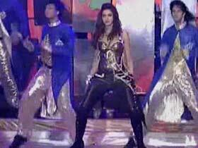 Deepika Padukone Sexy Look During Performance At IPL 6 Opening Ceremony 2013