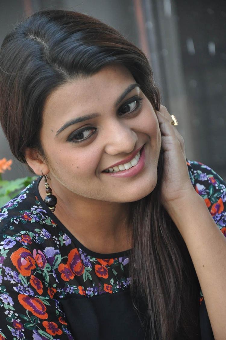 Tashu Kaushik Cute Smiling At Gola Seenu Movie Press Meet Function