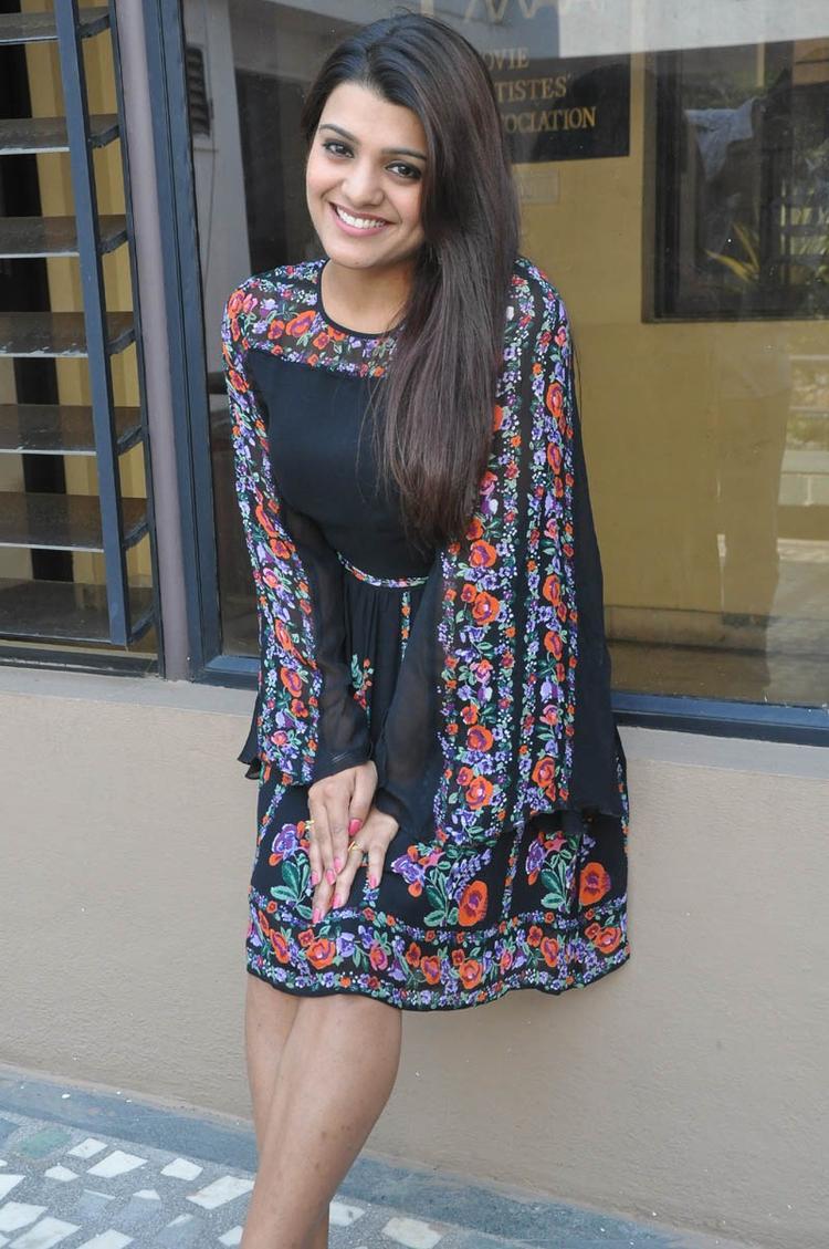 Tashu Kaushik Fashionable At Gola Seenu Movie Press Meet Function