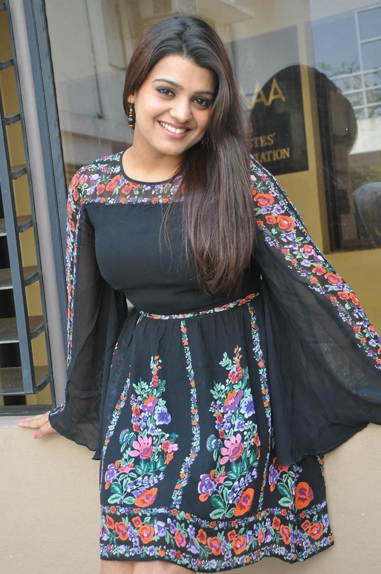 Tashu Kaushik Smiling Pose At Gola Seenu Movie Press Meet Function