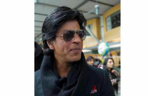 SRK Cool Look At Vancouver International Airport