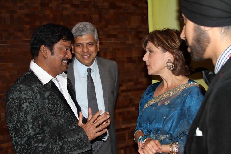 Gadde Rajendra Prasad Chatting Still At Nata Kireeti Dr. Rajendra Prasad Award Function