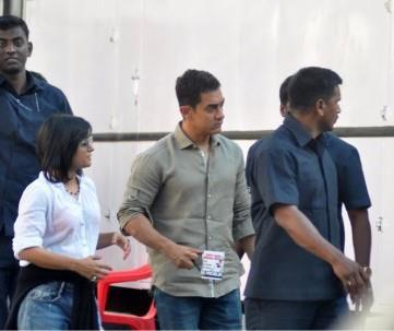Aamir Photo Clicked During Photo Shoot For A Mobile Ad In Bandra