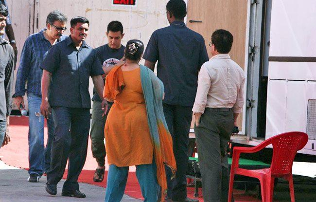 Aamir Spotted For Photo Shoot For A Mobile Ad In Bandra