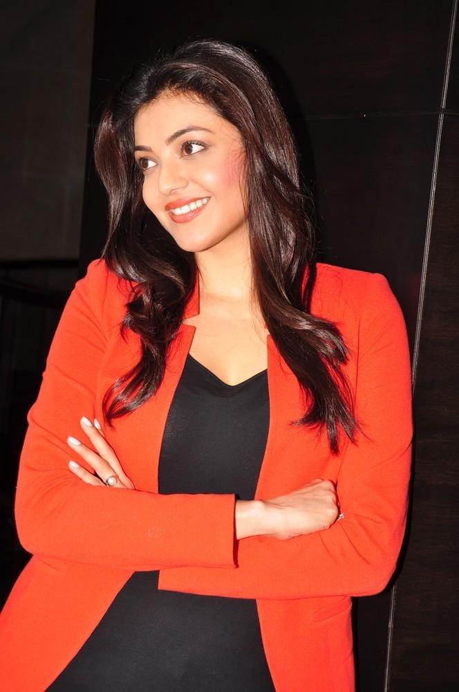 Kajal Charming Look Photo Still At Baadshah Interview