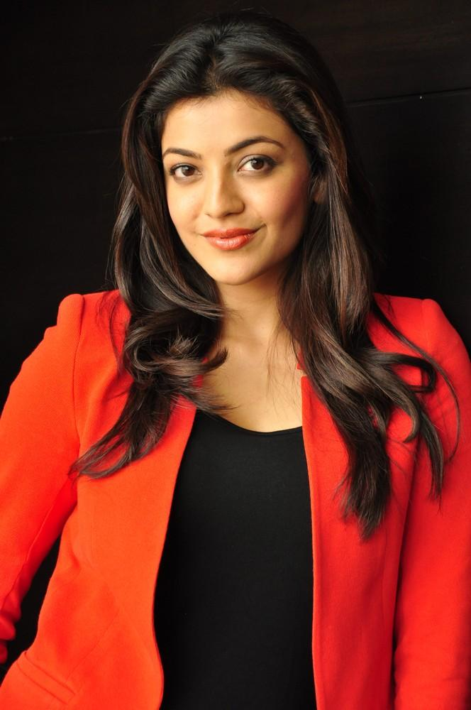 Kajal Trendy Looking Photo Still At Baadshah Interview