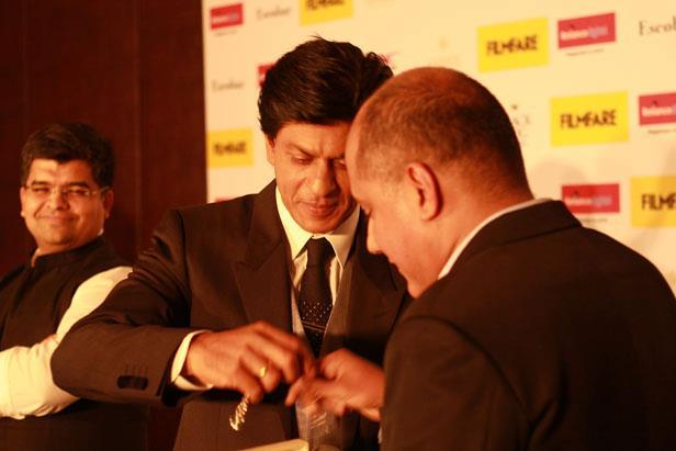 Shahrukh Graced At The Filmfare Magazine Cover Page Launching Event