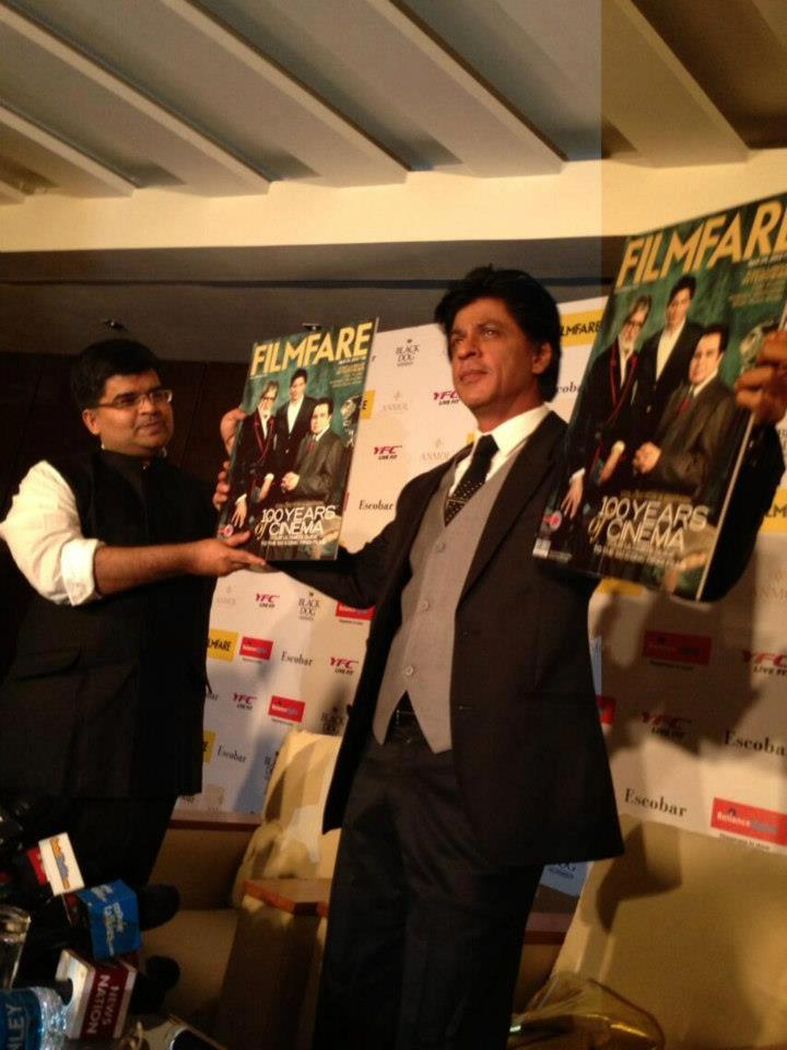 Shahrukh Khan Launches The Cover Page Of Filmfare Magazine