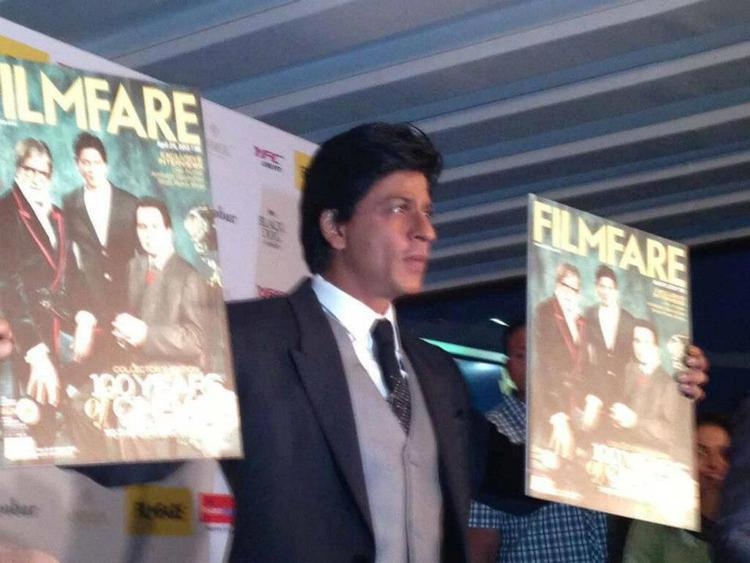 Shahrukh Khan Unveiled The Special Edition Cover Of Filmfare Magazine