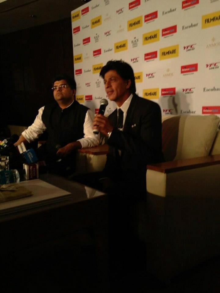 Shahrukh Khan Unveils The 100 Years Of Cinema Filmfare Cover