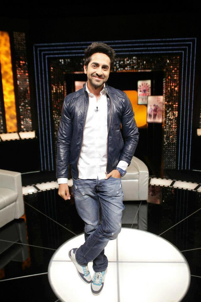 Ayushmann Khurrana Flashes Smiling Pose At The Front Row Show