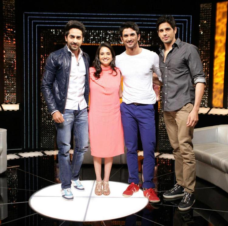 Ayushmann,Anupama,Sushant And Sidharth Posed For Camera At On The Front Row Show