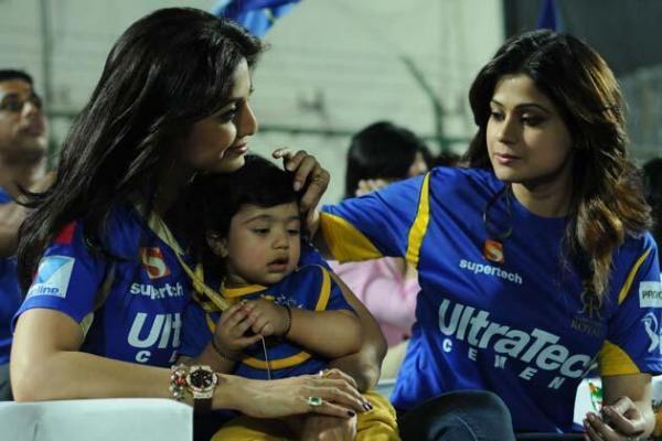 Shilpa,Viaan And Shamita During The Rajasthan Royals Vs KKR Match
