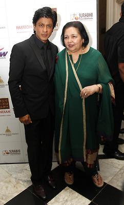 Shahrukh And Pamela Posed For Camera At Surabhi Foundation Fundraiser Event