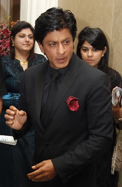 Shahrukh Khan Make An Appearance At Surabhi Foundation Fundraiser Event