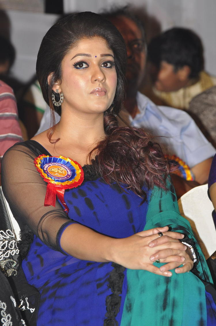 Nayanthara Graced At Nandi Awards 2011 Function