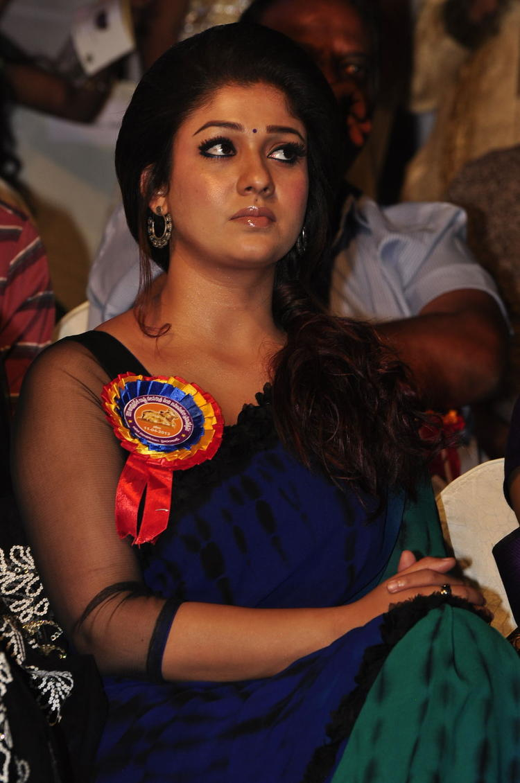 Nayanthara Present At Nandi Awards 2011 Function