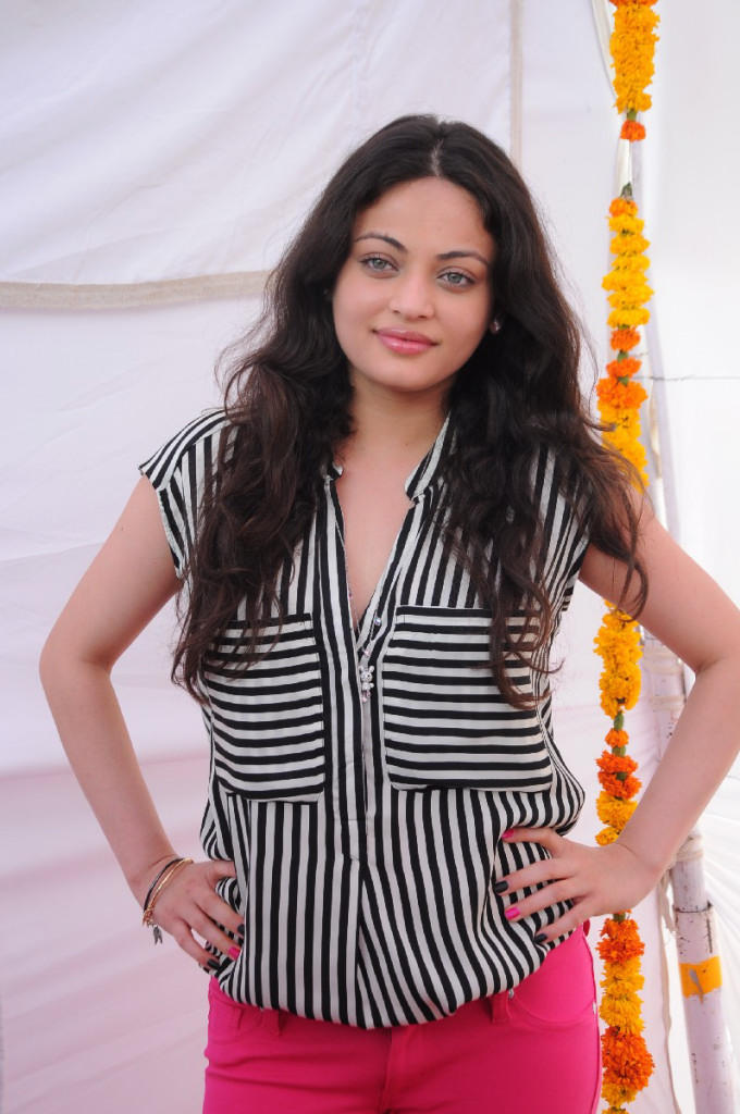Sneha Elegant Look Still At Antha Nee Mayalone Movie Launch