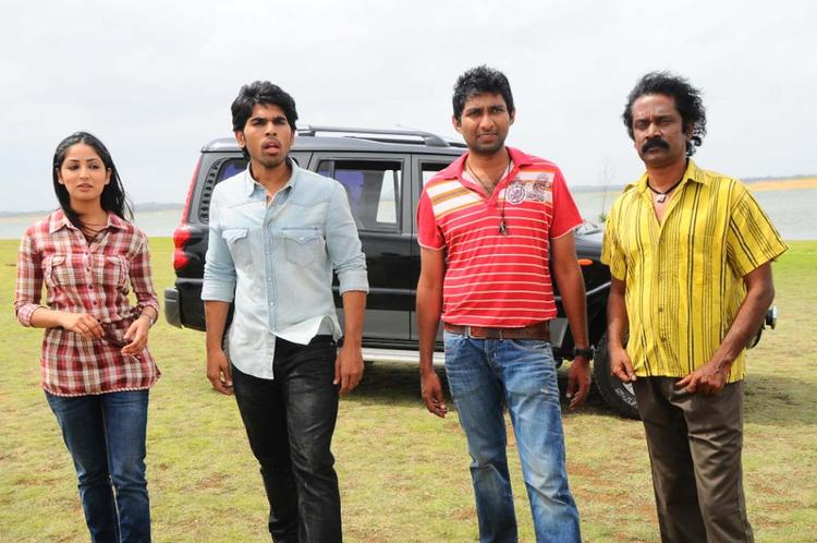 Sirish And Yami With Crew Members Posed For Camera On The Sets Of Movie Gouravam