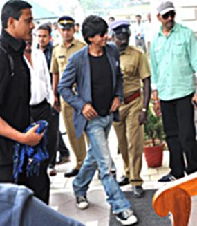 Shahrukh Khan Arrives In Munnar For The Shooting Of Chennai Express