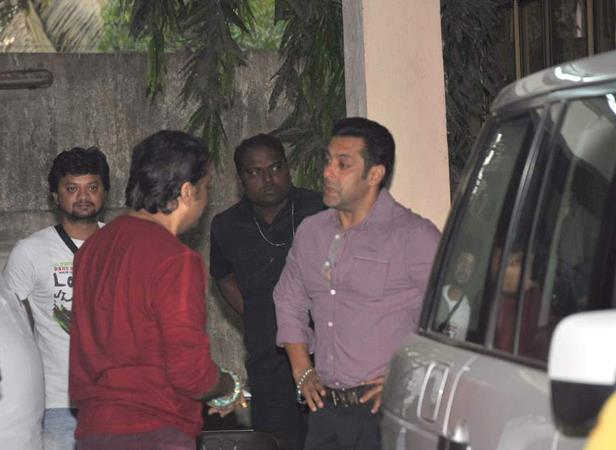 Govinda And Salman Chatting At Mahesh Manjrekar Film Screening Event
