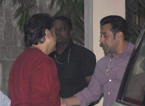Govinda And Salman Cool Gossip At Mahesh Manjrekar Film Screening Event