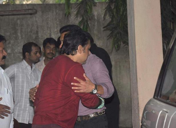 Govinda And Salman Hugs Still At Mahesh Manjrekar Film Screening Event