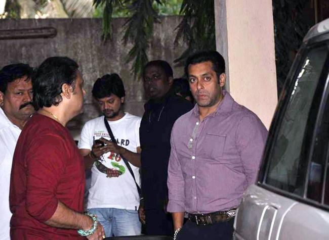 Govinda And Salman At Mahesh Manjrekar Film Screening Event