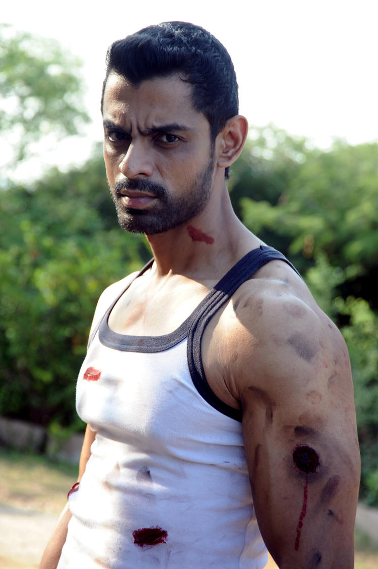 Bishnu Nice Figure Show Photo Still From Telugu Movie Ek