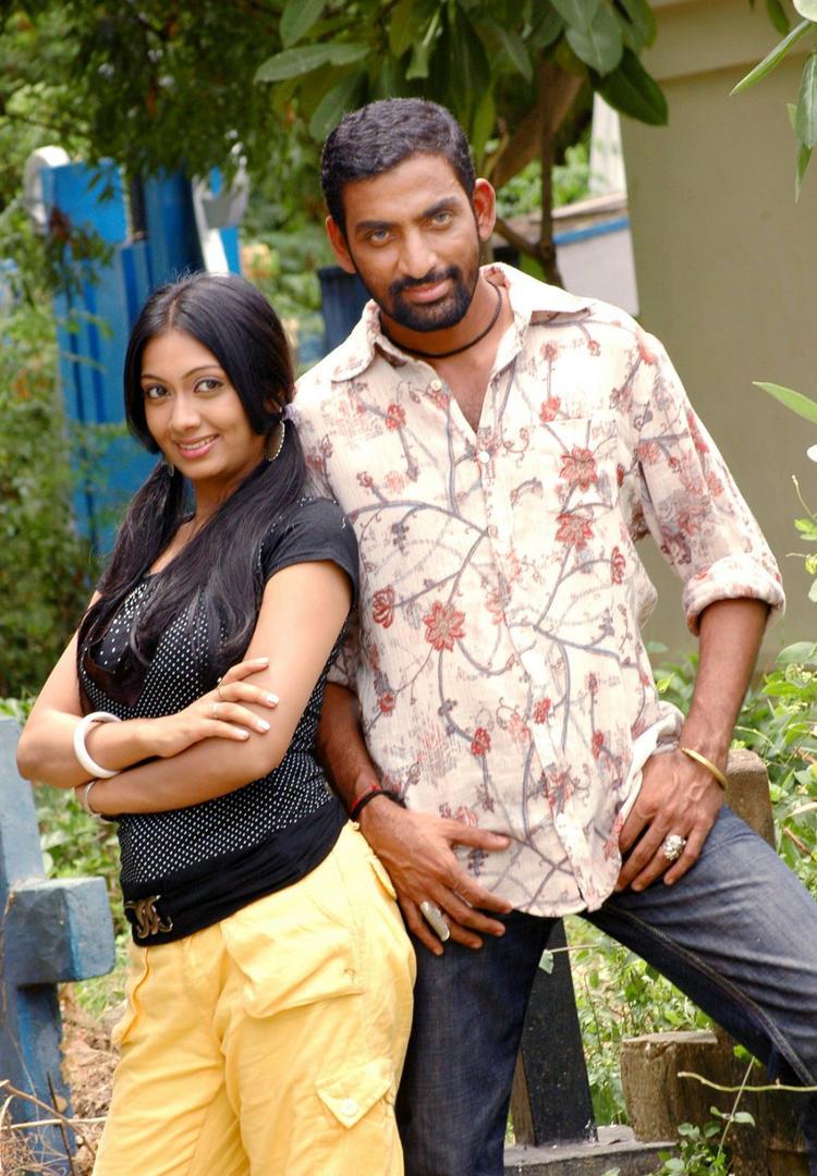 Udhayathara And Mahesh Dashing Look Photo Still From Movie Dandupalyam Police