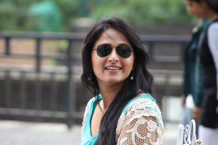 Anushka Awesome Look Photo Still From Movie Mirchi