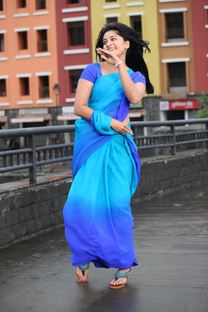 Anushka HOt Look In Blue Saree Photo Still From Movie Mirchi